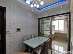 沙市大庆路《金龙馨城小区》带家具家电精装三房出售