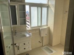 南湖路大桥附近《滨江花园小区》精装三房电梯房出价就卖