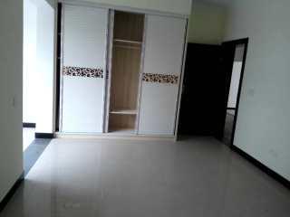 (中心城区)瑶草小区5室3厅3卫275m²精装修