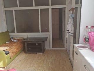 沙市解放路瑶草社1室1厅1厨1卫带全套家具家电一楼便宜出租