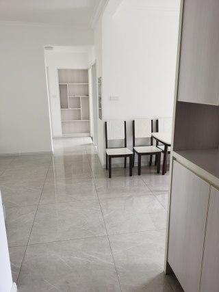 稀缺好房(荆北新区)绿地之窗3室2厅2卫带家具家电精装房出售