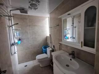 美林湖畔小区带全套家具家电精装电梯小户型房便宜出售