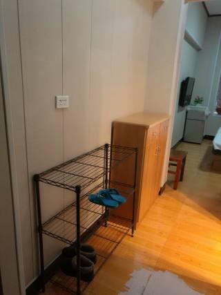 红门路中商百货后《女人城公寓》带全套家具家电出租