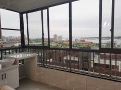 《可以看到长江的小区房》外滩阳光小区豪华装修四房出售