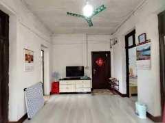 大庆路四医院宿舍带全套家具家电3楼好房便宜出租