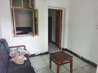 沙市解放路四中附近4楼一室一厅一厨一卫房便宜出租