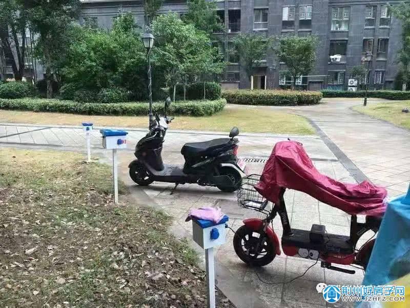 图片荆州某新小区内的充电桩