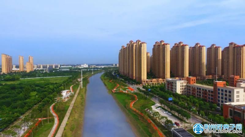 ▲西干渠(王家港路-东方大道段)建设中实景