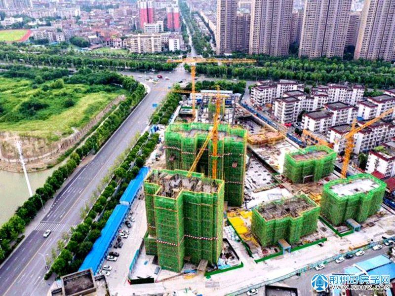 施工中的城发新时代