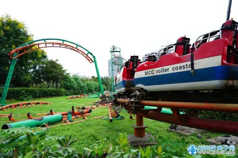 荆州第一台过山车 中山公园过山车拆了!