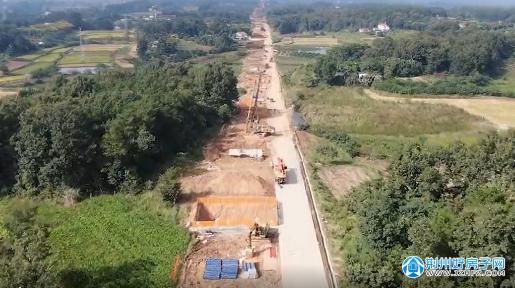 荆荆铁路最新进展 力争11月底完成全线荆荆铁路一标桩基施工