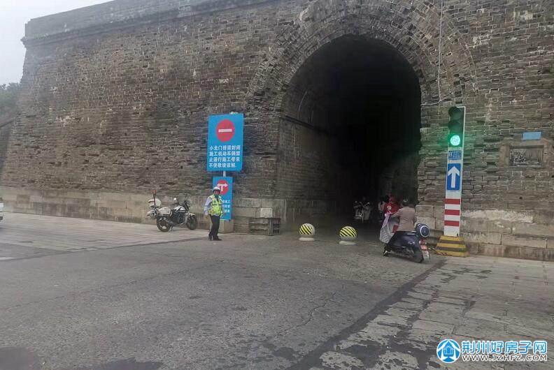 荆州区小北门太湖港桥进入全封闭施工