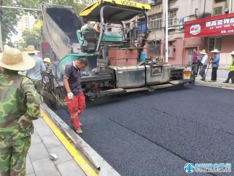荆州城发全面启动中心城区16条道路雨污分流和刷黑工程